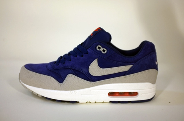 blue and grey air max 1